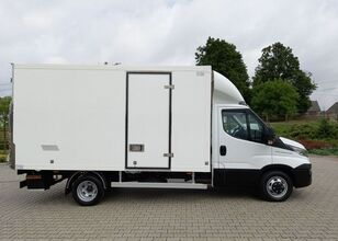 IVECO Daily box truck < 3.5t