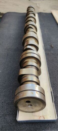 new SCANIA (DC13) camshaft for SCANIA tractor unit