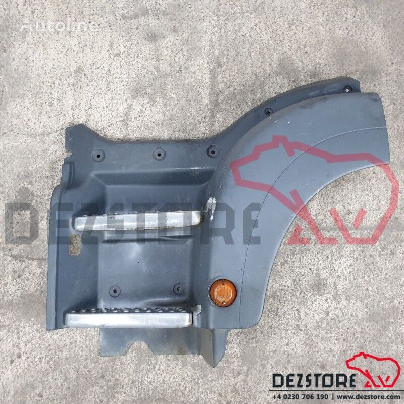 (81615100471) footboard for MAN TGS tractor unit