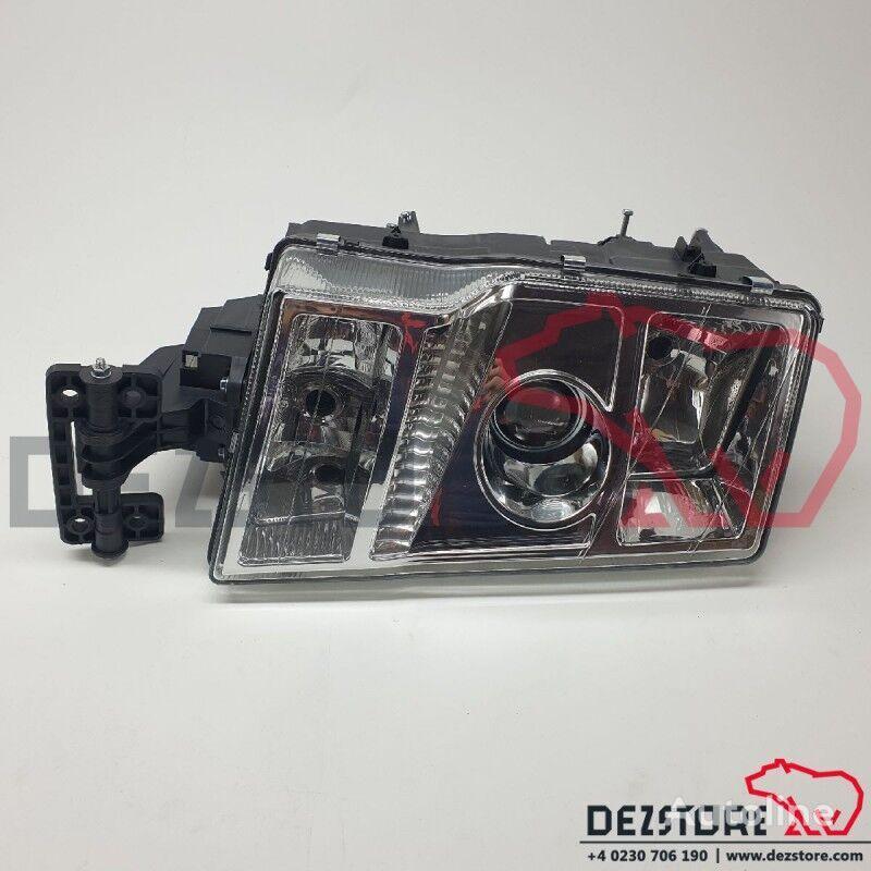 new Far dreapta (20861574) headlight for VOLVO FH tractor unit