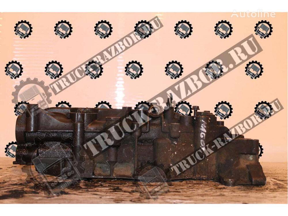 RENAULT (21304735) oil filter housing for RENAULT Magnum D13  tractor unit