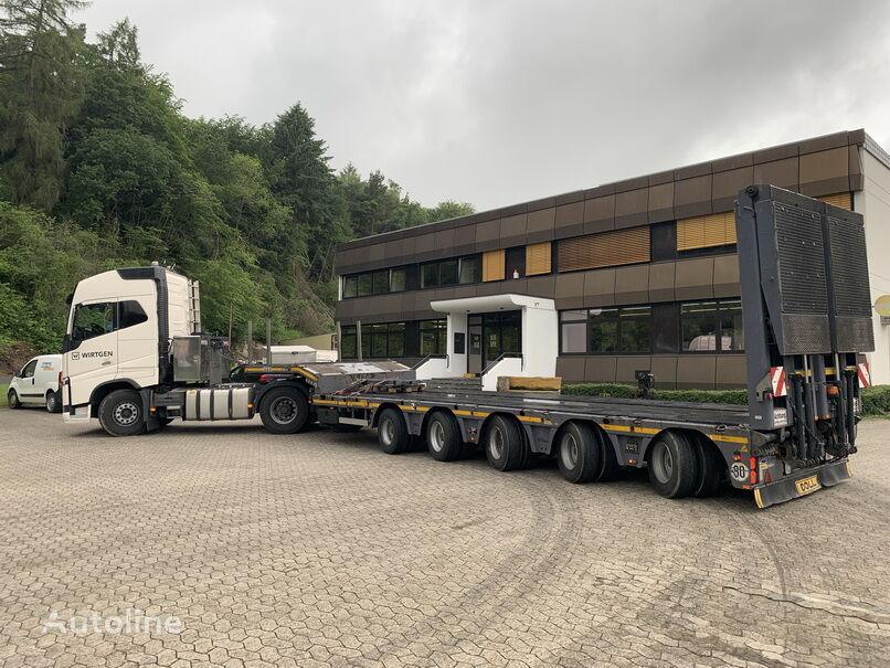VOLVO FH16 700 tractor unit + low bed semi-trailer