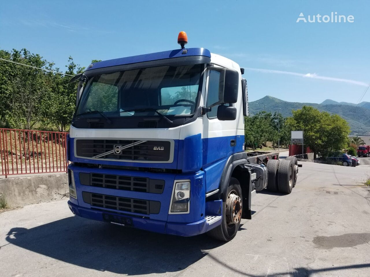 VOLVO FM290 chassis truck