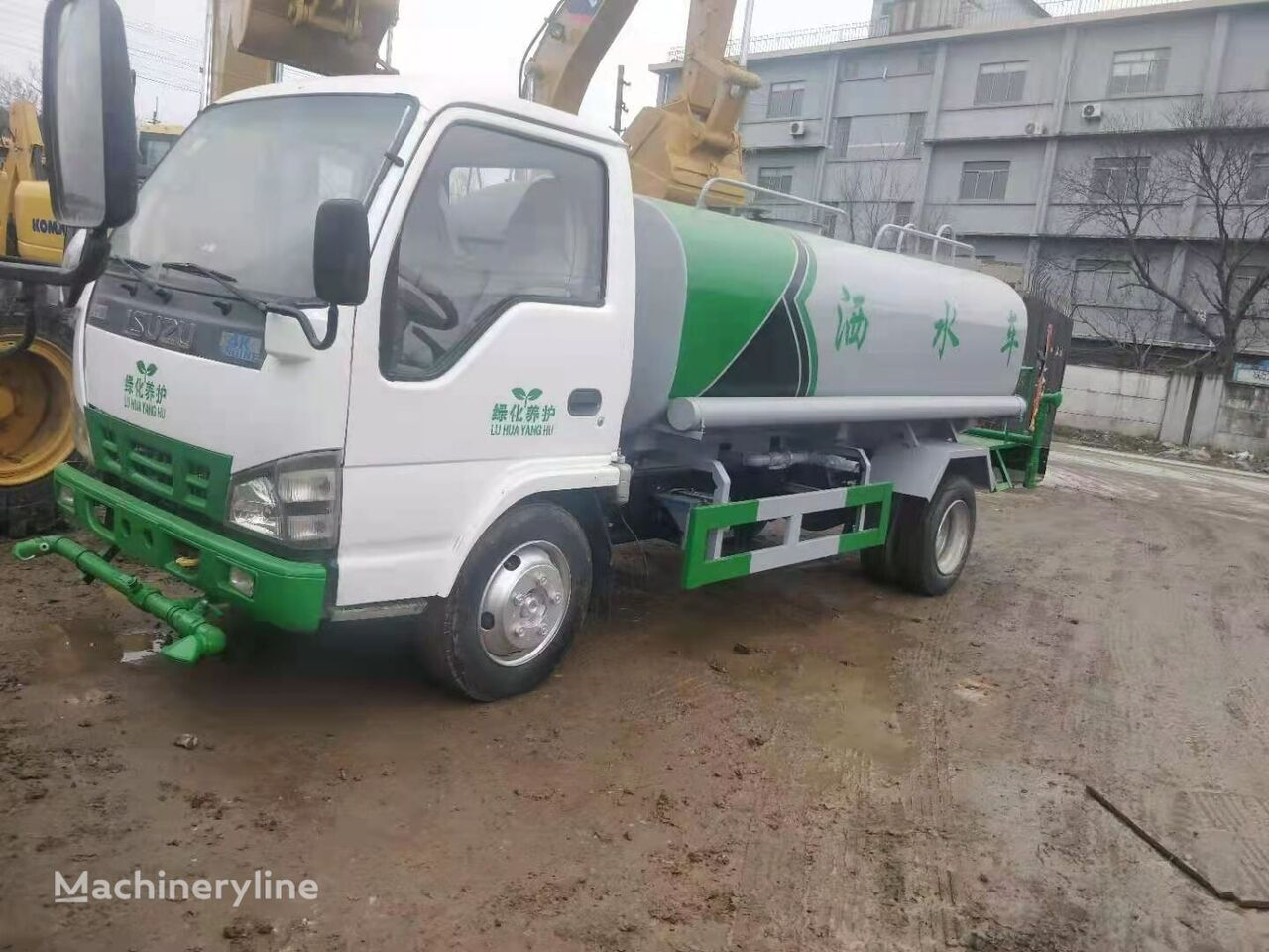 DONGFENG sprinkler tanker truck